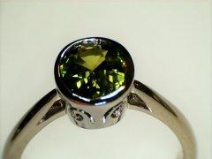 1.87ct_green_sapphire_in_18ct_white__gold.jpg