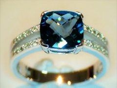 London_blue_topaz_and_diamonds_in_white_gold.jpg