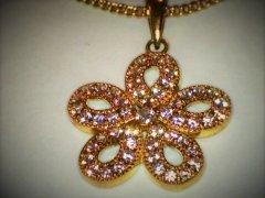 Millgrain-set-pendant-in-9ct-yellow-gold.jpg