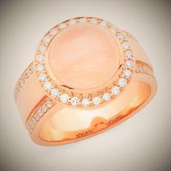 Rose_quartz_and_diamonds.jpg