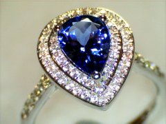 Tanzanite_and_diamond_ring_in_white_gold.jpg